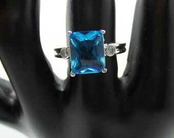 Blue Topaz Sterling Silver ring, size 7.