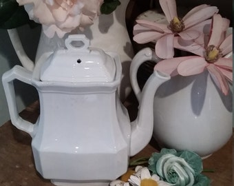 Beautiful Meakin Ironstone Teapot Coffee pot