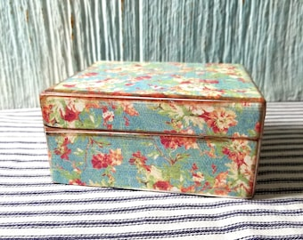 Upcycled Decoupage Vintage Trinket Box, Wooden Sewing Box, Keepsake, Treasure Storage, Mom Gift, Flowers Floral Theme