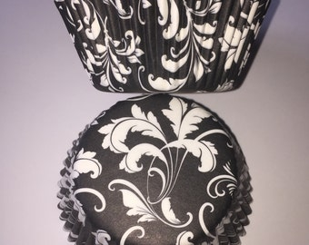 Black and White Damask Vintage Style Cupcake Cases
