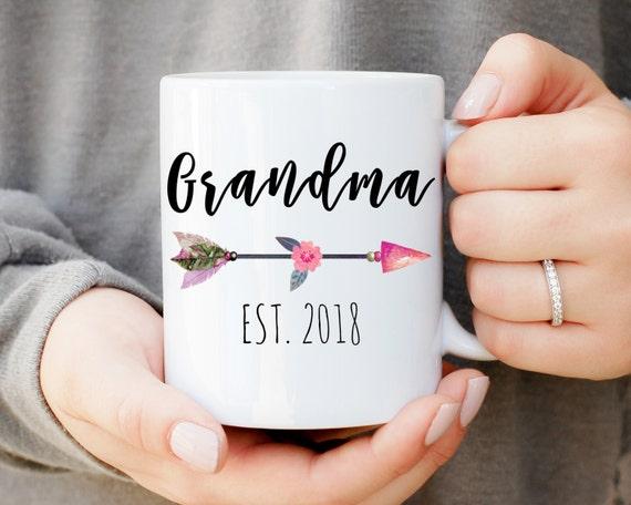 Grandma Mug with Custom Year, Only The Best Moms Get Promoted To Grandma Mug,Best Grandma Gift, Baby Announcement, New Grandma, Nana Mug