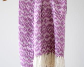Peruvian Alpaca Traditional Blanket: Purple & White