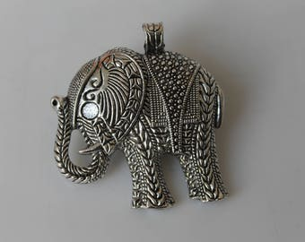 1 elephant - jewelry - silver necklace pendant-