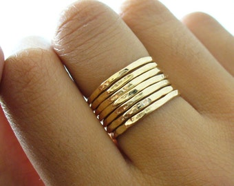 Dainty Gold Ring 7-Band Stack Set Gold Ring Set Hammered Gold Rings Hammered Gold Bands Stackable Gold Rings Thin Gold Rings Gifts for Women
