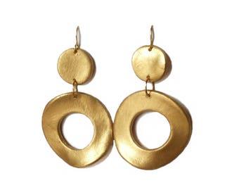 Golden hoop earrings. Round gold earrings. Wedding earrings. Bridal earrings. Bridesmaid earrings. Bridesmaid gift. Bridal shower gifts.