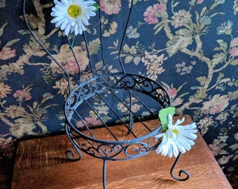 Vintage Cottage Chic Plant Stand