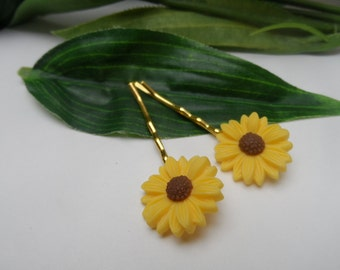 Set of 2  Large Sunflower Hairclips, sunflower bobby pins, girls bobby pins, spring flower bobby pins, hair accessories, flower hairclip