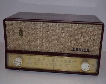Vintage 1950's Zenith No. S-41786 AM/FM Table Radio - Burgundy - Working