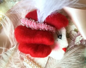 Boudoir Dollface Brooch Pink&Red