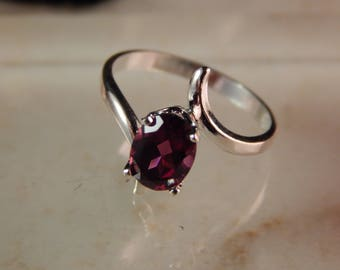 Sterling Silver Ring with a 8 x 6mm Rhodolite Garnet - Ring Size 7 #7840-9131