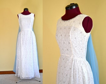 1960s Vintage Ann's Vogue Shoppe White and Silver Lace Formal Dress size XS S bust 32