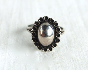 Vintage Concho Ring Size 5 .5 Sterling Silver Oval Dome Mexican Jewelry Gift for Her Southwestern Flower