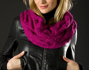 Cabled bulky cowl