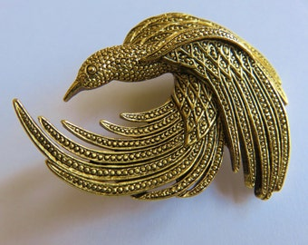 JJ Jonette Antique Gold Pewter Intricately Swirled Designed Bird Brooch Pin