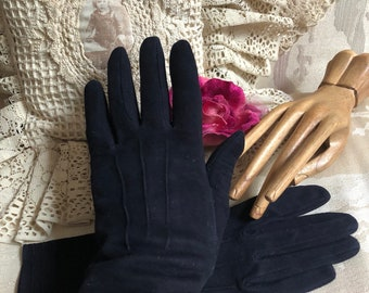 Vintage darkest navy blue suede leather gloves, sz 6.5 ink blue doeskin fashion gloves, West Germany doeskin navy blue black fine gloves