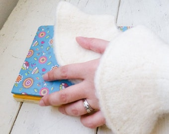 Felt fingerless gloves, knit wrist warmers, white fingerless gloves, hand knit, ready to ship, winter wear, women's gift idea, accessory