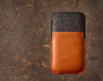 iPhone 5/5s, 4/4s case iPhone 5/5s sleeve wallet dark grey merino wool felt full grain tan leather