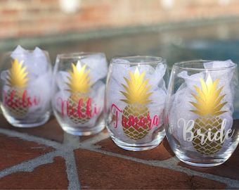 Pineapple Stemless Wine Glass - Personalized Bridesmaid Wine Glasses Stemless with Gold Pineapple Decal with Name