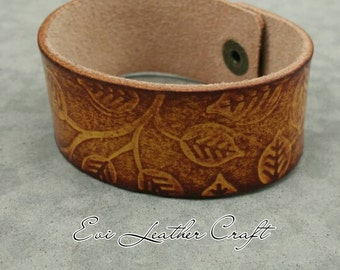 26 mm brown  Leather bracelet with leaf ornament /043/ hand tooled leather cuff / leather wristband / brown yellow leather jewellery