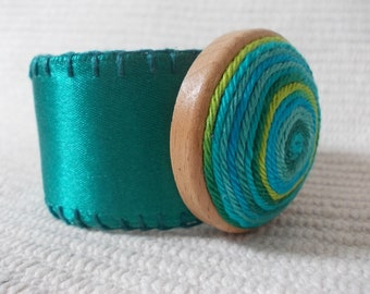 Adjustable textile bracelet in green colour with wooden pendant,new style jewelry,textile bangle, cuff bangle bracelet, wooden cuff bracelet