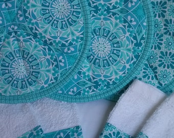 Hot pads/pot holders with kitchen towels