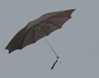 Vintage Umbrella - Brown Nylon Umbrella With Lucite Handle - 1950s Vintage