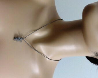 """Vintage Windmill Necklace Pendant on 18"""" Chain, Windmill Blades Rotate, Jewelry #391"""