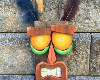 Aku-Aku Replica: Crash Bandicoot