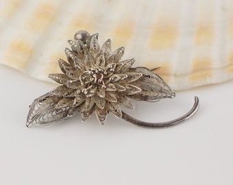 Silver Filigree Flower and Leaf Brooch Simple Fold Over Back