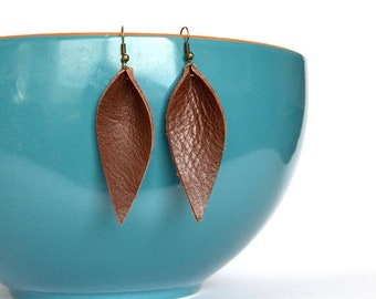 SUMMER VACATION FLASH Warm Medium Brown Leather Leaf Earrings: Joanna Gaines Inspired Leather Leaf Earrings