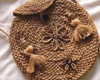 Vintage 70s // ROUND FOLK WOVEN Bag // Small Gypsy Handmade Festival Bag // Bohemian Embellished Natural Handbag