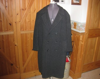 Vtg Mens London Fog Charcoal Overcoat double breasted 100 percent wool fully lined Mint shape 46 R
