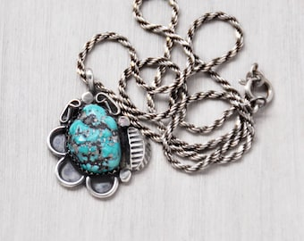 "Vintage Turquoise Nugget Necklace - sterling silver flower pendant on 16"" twisted rope chain - Southwestern Native American"