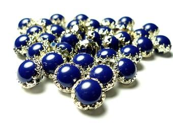 Small vintage blue plastic beads