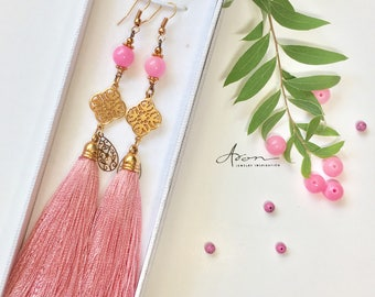 Long earrings with tassels and gems