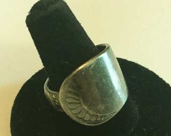 Vintage SPOON Ring. sz 8