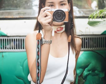 Quechua with Brown - Camera Strap