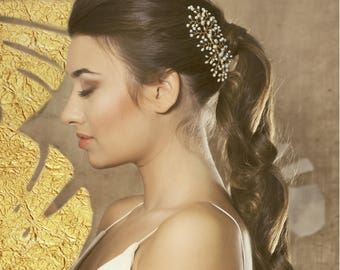 Pearl bridal hair accessory, Fresh water pearl bridal headpiece, pearl bridal hair vine, wedding pearl hair piece, bridal hair accessories