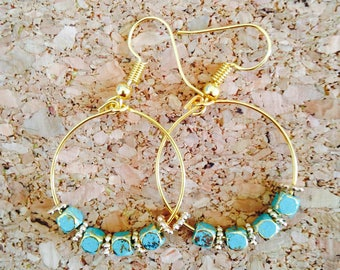 Earrings rings Golden brass with the turquoise cubes