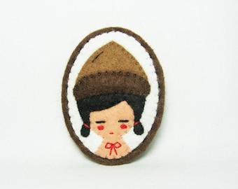 A Girl With An Acorn Hat felt brooch / Miniature Portrait felt brooch / Girl Portrait felt brooch / Imaginary Girl With An Acorn hat brooch