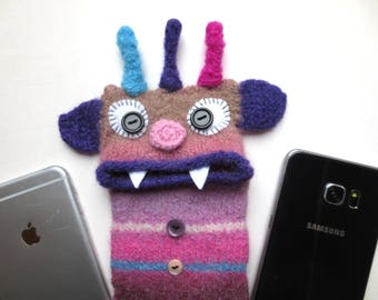 "Smartphone monster ""Wolfgang"", felted, cellphone bag, sleeve, iphone 6 Plus, mobile phone monster, felt, wool, case, felted, Galaxy S 6 edge +"