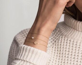 ARIA Bracelet • Tiny Oval Pearl Bracelet • Layering Bracelet, Dainty Bracelet, Freshwater Pearl Bracelet, Elegant Bracelet, Tiny Bracelet