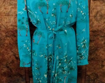 Vintage 1970s Leslie Fay dress mint condition with shoulder pads cool print