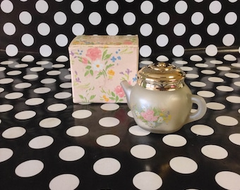 Tiny Teatime~Vintage~Avon~Sonnet Powder Sachet~Unused~Full~Teapot Jar