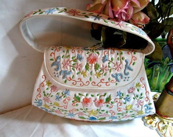 Embroidered Bag, White Vinyl Purse, Floral Purse, Boho Purse, Mod Purse