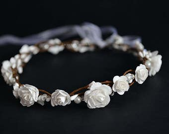 White flower crown - Floral wedding crown - white boho hair wreath - bridal hair - flower girl crown -  first communion headpiece - Halo