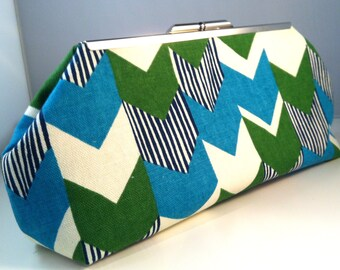 Curacao Chevron Clutch