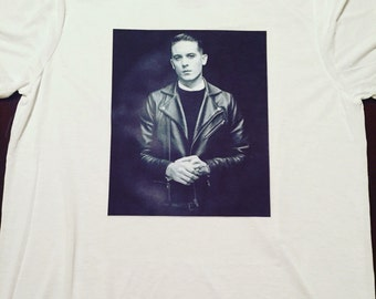 G Eazy on a T