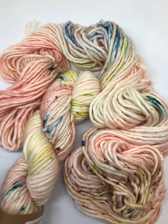 Sword Lily - 100g Super Chunky SW Merino / Nylon Singles, hand dyed in Scotland, peach, olive, brown speckles