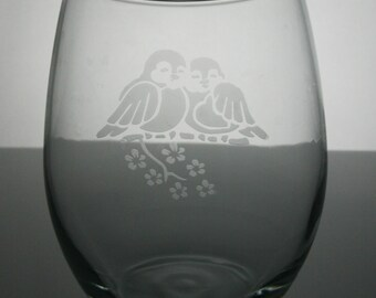love birds etched glass, etched wine glasses, customized wine glasses, stemless wine glass